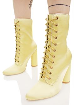 10 Best รองเท้า images | Me too shoes, Shoes, Beautiful shoes