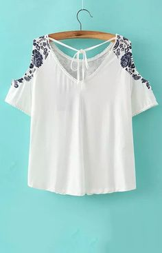 women off shoulder crop top shirt sexy blue white porcelain pattern blouses vintage short sleeve shirts casual slim tops Sexy Shirts, Crop Top Shirts, Boho Fashion, Fashion Outfits, Womens Fashion, Blusas T Shirts, Look Chic, Dress Me Up, Passion For Fashion