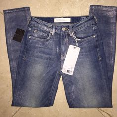 Flash SaleMarc Jacobs Vintage Pearls Jeans New with tags beautiful Marc Jacobs jeans in size 25 ;) Marc by Marc Jacobs Jeans Skinny