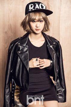 Black Leather Jacket Fashion of Bestie Hyeyeon