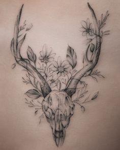 - Hirschschädel Tattoos & hirschschädel tattoos & tatouages de crâne de c - Deer Antler Tattoos, Animal Skull Tattoos, Bird Skull Tattoo, Bull Skull Tattoos, Small Skull Tattoo, Deer Head Tattoo, Skull Tattoo Flowers, Hunting Tattoos, Skull Tattoo Design