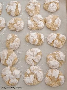 Cookie Recipes From Italy Amaretti Cookie Recipe, Amaretti Cookies, Almond Cookies, Amaretti Biscuits, Macaron Recipe, Chocolate Cookies, Italian Butter Cookies, Italian Cookie Recipes, Sicilian Recipes