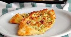 Snadné lodě z listového těsta plněné cuketou a sýrem