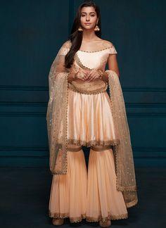 Pakistani Dress Design, Pakistani Outfits, Indian Outfits, Pakistani Suit With Pants, Punjabi Suits, Dress Outfits, Fashion Dresses, Designer Dresses For Kids, Bollywood Dress