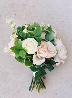 Los 50 ramos de novia más elegantes para 2015: Flores, color, estilo y mucho glamour Image: 15