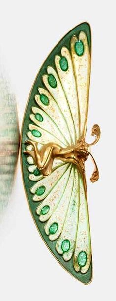 Lalique 1900 Brooch: 18kt yellow gold/ enamel, in original case, signed 'Lalique' TEFAF Maastricht 2015 (Courtesy of Marjan Sterk Antique Jewelry)