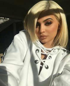 Kylie jenner makeup – Hair and beauty tips, tricks and tutorials Kendall Y Kylie Jenner, Trajes Kylie Jenner, Looks Kylie Jenner, Estilo Kylie Jenner, Kylie Jenner Outfits, Kylie Jenner Style, Kris Jenner, Kylie Jenna, Khloe Kardashian
