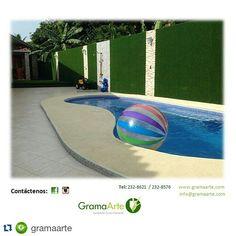 #Repost @gramaarte ・・・ Nuestros tipos de gramas pueden ser instaladas sobre cualquier superficie, paredes, techos, suelos naturales y sobre cemento o baldosas. Contáctanos y conoce más de nosotros. #GramaSintética #GramaArte #verde #casas #apartamento #piscina #verano #Panamá