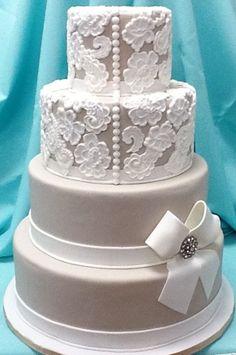 Cakes Plain On Stand One Teir