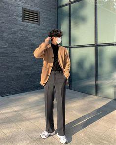 Korean Fashion Minimal, Korean Fashion Men, Korean Street Fashion, Cute Preppy Outfits, Retro Outfits, Trendy Outfits, Outfits Hombre, Streetwear Fashion, Poses