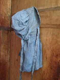 Primitive Handcrafted Prairie Bonnet ~ Blue