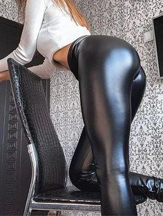 Mädchen In Leggings, Skin Tight Leggings, Leggings Negros, Cheap Leggings, Shiny Leggings, Girls In Leggings, Girls Jeans, Leggings Fashion, Tights