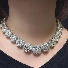 060317b099f A magnificent rivière with 312.86 carats of graduated circular-cut  diamonds. Lot 2021 will