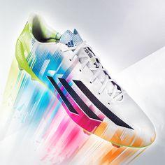 Adidas lancia le nuove scarpe adizeroTM f50 Messi - Sport - diModa - Il  portale. 5712136f2ea0e