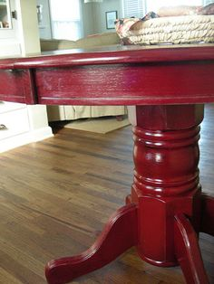 red dining table! Love!!