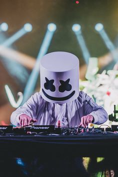 Marshmello Wallpapers - Click Image to Get More Resolution & Easly Set Wallpapers Phone Screen Wallpaper, Music Wallpaper, Wallpaper Downloads, Iphone Wallpaper, Hd Wallpapers For Mobile, Gaming Wallpapers, Mobile Wallpaper, Cute Wallpapers, Marshmello Wallpapers