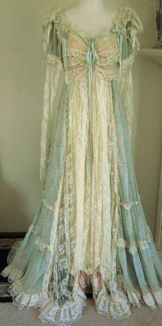 Vintage Dressing Vintage-marie antoinette-Titantic-Romantic Gown-Edwardian-Princess-Corset-Pearls-Lace-Bustle Minty Green-Dress-Ribbon Corset-Ruffles-S, via Etsy. Vestidos Vintage, Vintage Gowns, Mode Vintage, Vintage Lace, Vintage Outfits, Vintage Lingerie, Upcycled Vintage, Vintage Costumes, Lingerie Set
