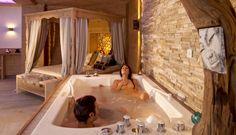 Einfach die Zweisamkeit genießen     #leadingsparesort #kristall #verwöhnhotel #wellness #tirol #pärchenurlaub #floating #private Wellness Hotel Tirol, Resorts, Hotels, Relax, Floating, Spa, Corner Bathtub, Bathroom, Cuddling