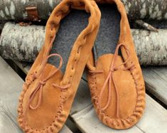 Quality leather accessories for all ages. by GypsyPlaid on Etsy Leather Moccasins, Leather Slippers, Leather Booties, Leather Shoes, Spring Shoes, Summer Shoes, Soft Suede, Brown Suede, Leather And Lace