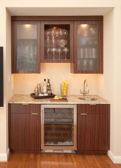 Wet+Bar+Cabinets+with+Sink | This little wet bar area is oh-so-cool ...