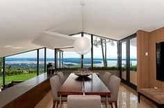 crunchylipstick: Mid Century Modern Home by Ron Thom (via homeadore.com)