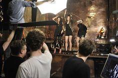 Heidi Klum macht die Topmodel Anelia und Lisa nass: Die drei haben viel Spaß beim Party-Fotoshooting mit Starfotograf Rankin.