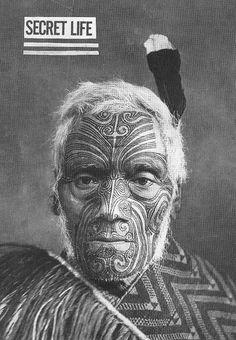 face painting - Maori man New Zealand Maori Face Tattoo, Ta Moko Tattoo, Face Tattoos, Samoan Tattoo, Forearm Tattoos, Maori Tattoos, Maori People, Maori Tattoo Designs, Nz Art