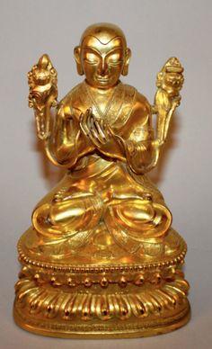 Buddha Sino Tibetano em bronze gilded a ouro do sec.19th, 17,5cm de altura, 84,730 EGP / 32,080 REAIS / 9,840 EUROS / 11,180 USD https://www.facebook.com/SoulCariocaAntiques