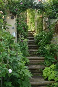beautiful small cottage garden design ideas for backyard inspiration 58 Cottage Garden Design, Backyard Garden Design, Backyard Landscaping, My Secret Garden, Garden Gates, Garden Stairs, Shade Garden, Dream Garden, Garden Inspiration