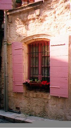 A window in Provence