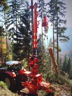 TST 400 Seilgerät mit Traktor / tower yarder with tractor