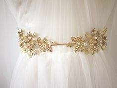 Gold Leaf Belt Bridal Belt Gold Bridal Belt by ABitofLoveWedding Curtain Accessories, Door Accessories, Pearl Jewelry, Bridal Jewelry, Jewelery, Wedding Sash, Bridal Sash, Home Curtains, Gold Belts