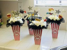 Many people believe that there is a magical formula for home decoration. You do things… Old Hollywood Theme, Hollywood Party, Graduation Party Themes, Prom Themes, Oscar Party Centerpieces, Popcorn Theme, Popcorn Bar, Movie Night Party, Movie Nights