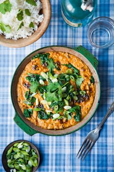 This dhal with spinach and tomatoes is great on its own or served as a side dish. Full of lentils and vegetables and fragrant spice flavours, this makes a cheap and healthy meal.