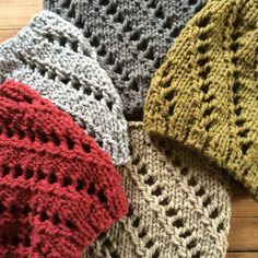 spiral cowl : the perfect knit for this gifting season