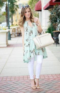 Re crazy over this spring tunic dress одежда учителя, пла Kurta Designs, Blouse Designs, Dress Designs, Casual Dresses, Casual Outfits, Fashion Dresses, Casual Work Clothes, Pakistani Dresses Casual, Stylish Dresses