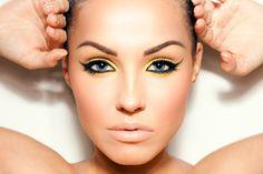 Conoce los tips que tenemos para que descubras cómo ocupar los tonos de sombras adecuadas dependiendo el color de tus ojos y conseguir un make up de impacto.  http://www.linio.com.mx/salud-y-cuidado-personal/maquillaje/