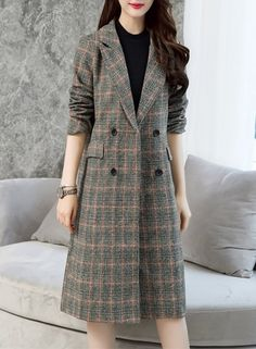 The coat is featuring turn down collar, long sleeve, plaid, and double breasted. The coat is elegant and fashion. It's suitable for spring, autumn, outdoors and many occasions.
