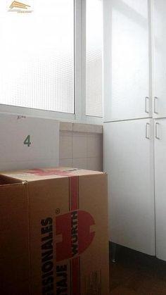 Piso en venta en Pº Zorrilla - Cuatro de Marzo en Valladolid por 130.000 € en Valladolid en WALLAPOP Top Freezer Refrigerator, Kitchen Appliances, Home, Bus Station, Parking Lot, March, Floors, Yurts, Diy Kitchen Appliances