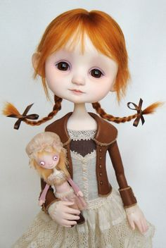 Emmy - original doll by Ana Salvadorhttp://www.dragonflyworks.nl/gallery/strangedolls/emmy/emmy.htm