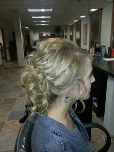 Loose updo done with fishing line