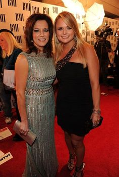 Miranda Lambert Martina Mcbride Photos Photos: Annual BMI Country Music Awards – Arrivals Miranda Lambert and Martina Mcbride – Annual BMI Country Music Awards – Arrivals Martina Mcbride, Country Music Quotes, Country Music Artists, Country Music Stars, Miranda Lambert, American Country Music Awards, Country Female Singers, Bmi, Country Girl Problems