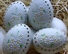 Araukana / Zboží prodejce kohlrabi | Fler.cz Egg Crafts, Easter Crafts, Holiday Crafts, Diy And Crafts, Egg Shell Art, Egg Designs, Egg Art, Easter Holidays, Egg Decorating