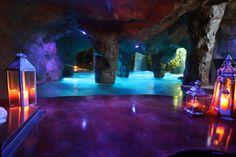 grotto swim up bar