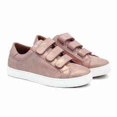 Fashion Musthaves, Dream Act, Basket Sneakers, Happy Shoes, Basket Noir, Cuir Rose, Baskets En Cuir, Superstar, High Top Sneakers