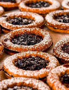 Ciasteczka z okienkiem Onion Rings, Doughnut, Ethnic Recipes, Desserts, Food, Tailgate Desserts, Deserts, Essen, Postres