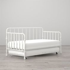 Monarch Hill Wren Daybed with Trundle