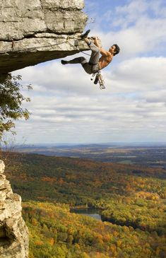 Who knew these beautiful Shawangunk Mountains were so close to home in NYC! How better to learn the basics of rock climbing than while you're taking in the fresh air and exquisite scenery? | Discover Outdoors, Rock Climbing