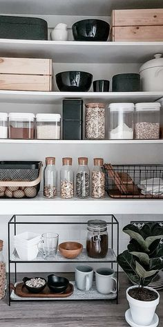 Photo by @kodikkaasti  Cork Glass Mason Jar | Mason jar | Food Storage | Organization | Organizers | Order | Home decor | Kitchen Design | Kitchen Storage | Kitchen Accessories | Kitchen Tools | Storage | Space Saving  #corkjar #glasscorkjar #orderconcept