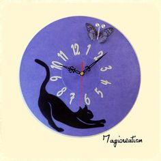 "Horloge ""le chat et le papillon"" violet Papillon Violet, Decoration, Clock, Etsy, Vintage, Clocks, Wall Art, Handmade Gifts, Unique Jewelry"